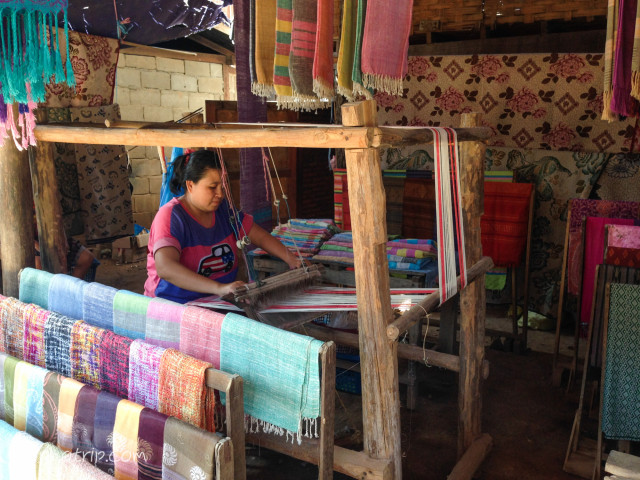 ラオス 手織り布