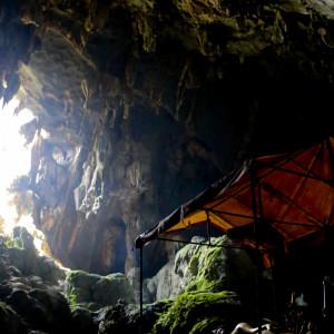 タム・プーカム洞窟