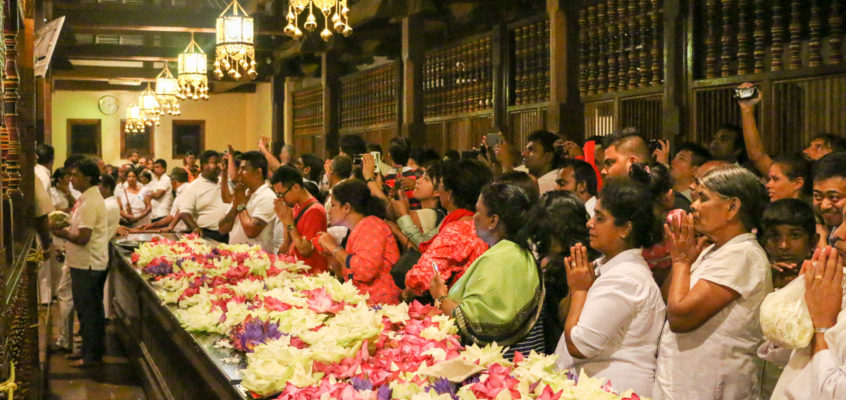 ダンブッラ石窟寺院とキャンディ仏歯寺 スリランカ旅行記5